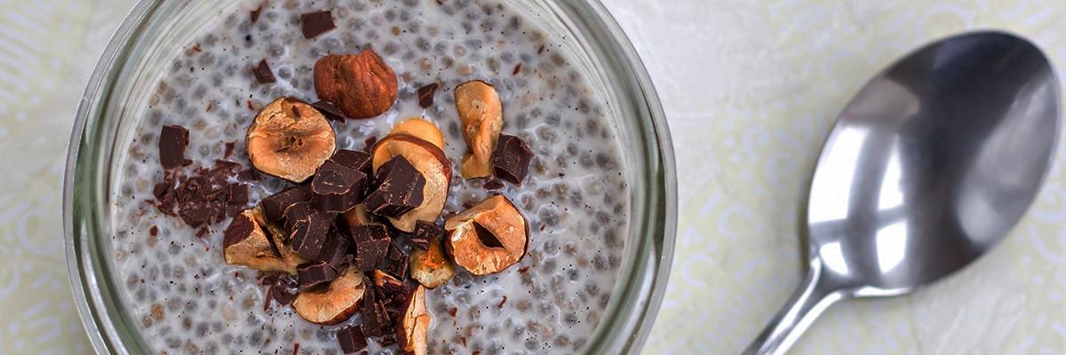 Chia-Pudding mit Haselnüssen und Protein-Kick