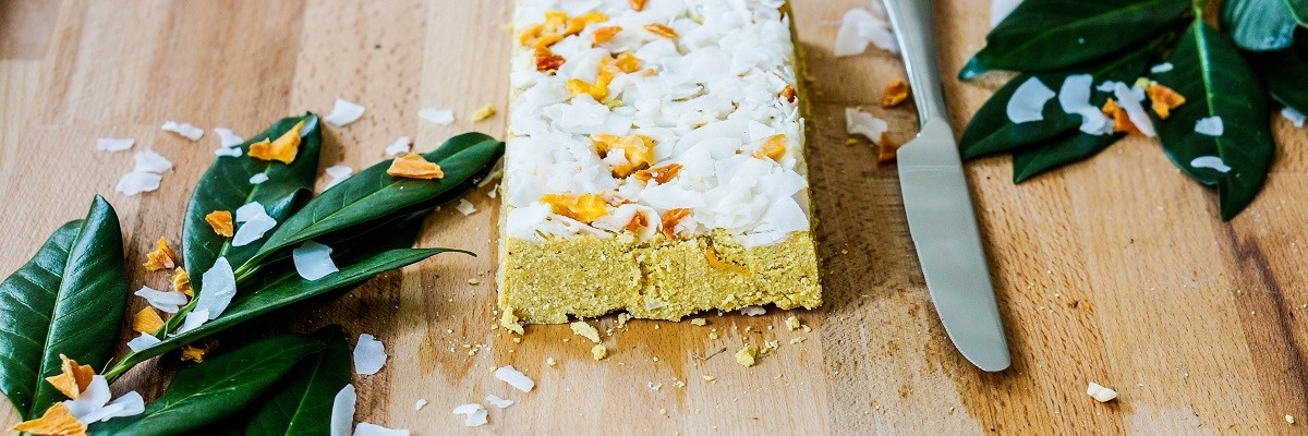 Aus der Blogger Kitchen: Kokos-Mango-Riegel