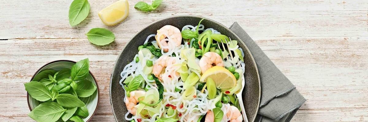 Spaghetti low carb aux crevettes & légumes verts