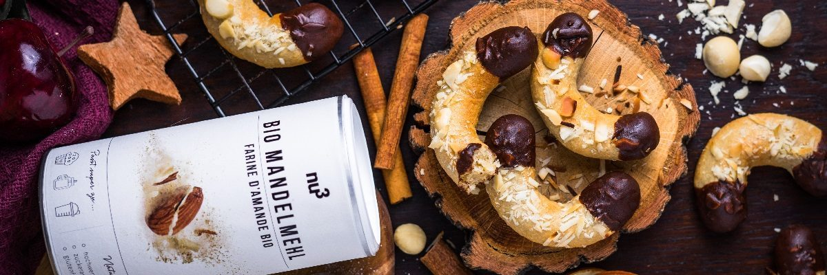 Biscotti con marzapane e cioccolato