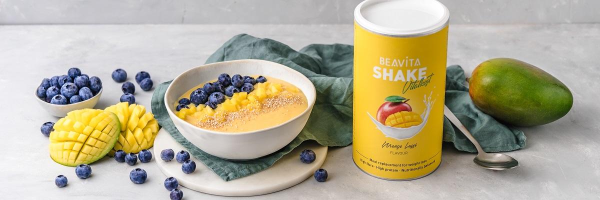 Smoothie Bowl Mango Lassi mit Protein