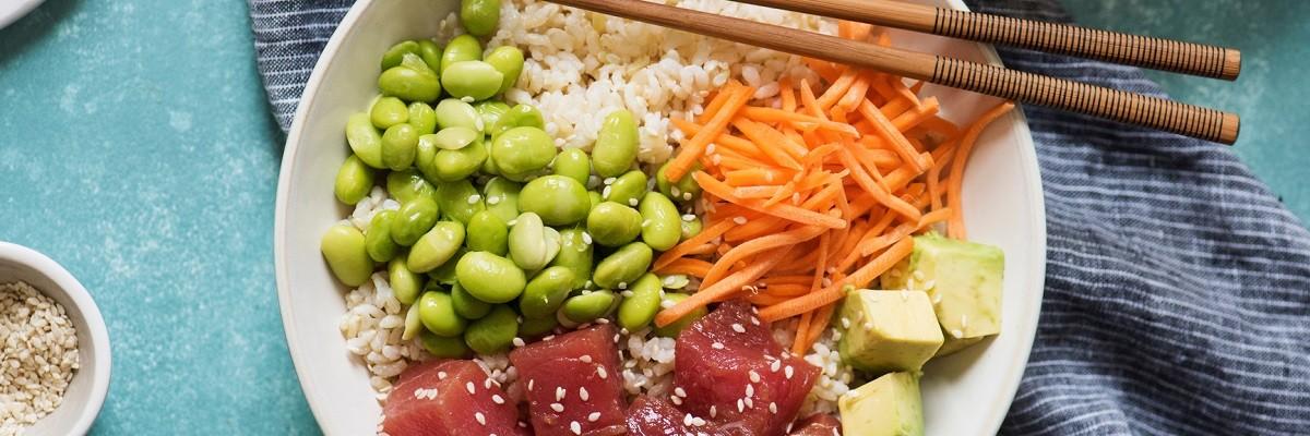 Poké Bowl Rezept mit frischem Fisch