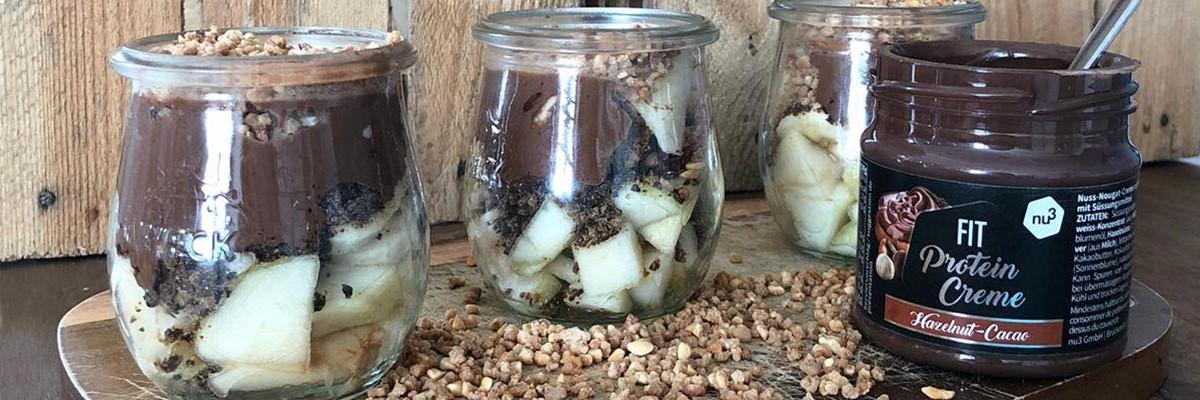 Bicchierini di pera e cioccolato