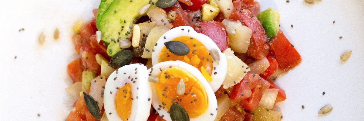 Low Carb Avocado-Tomaten-Salat