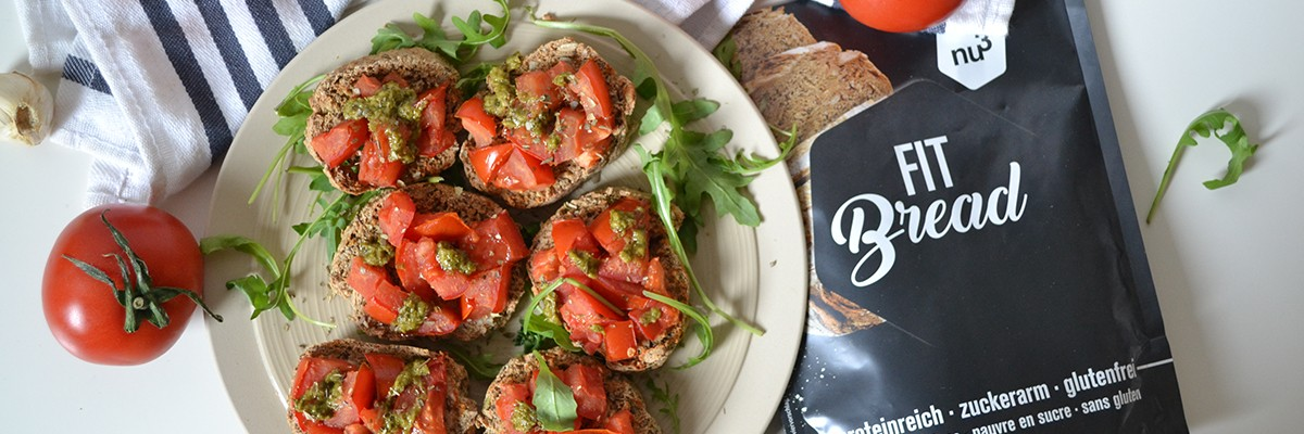 Low Carb Bruschetta mit Tomaten