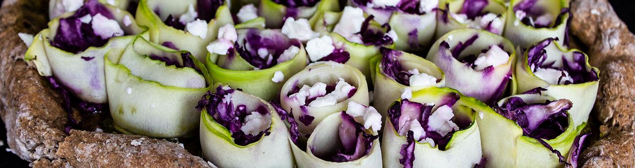 Torta di zucchine, radicchio e feta