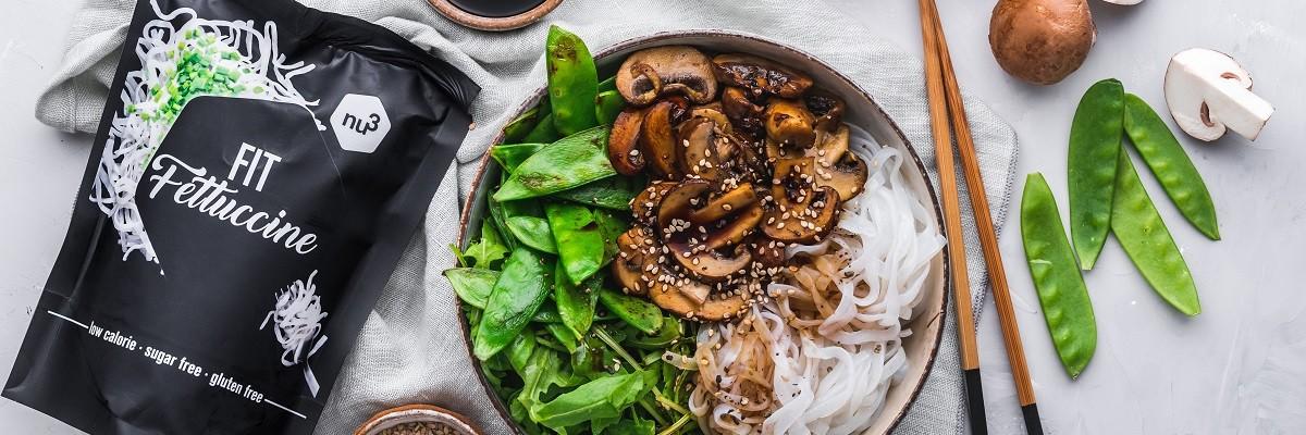 Bol de nouilles asiatiques aux légumes