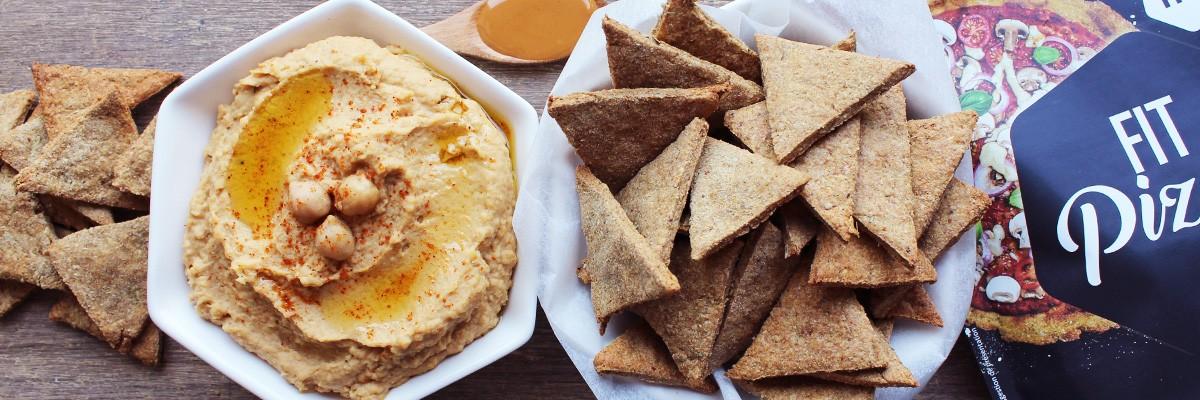 Crackers low carb et houmous au beurre de cacahuète