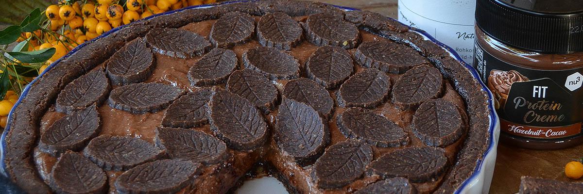 Crostata al cacao ripiena di crema al cioccolato