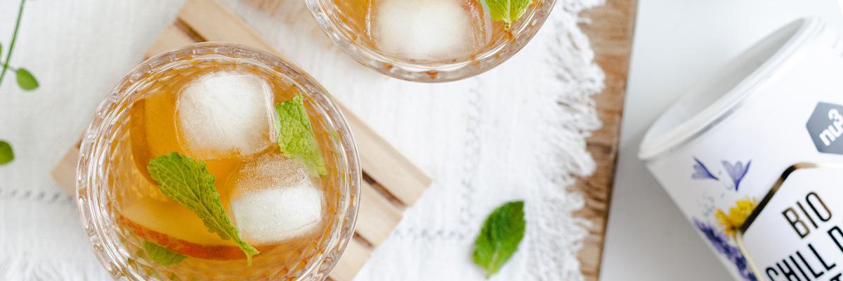 Tè freddo alla pesca e al limone senza zucchero