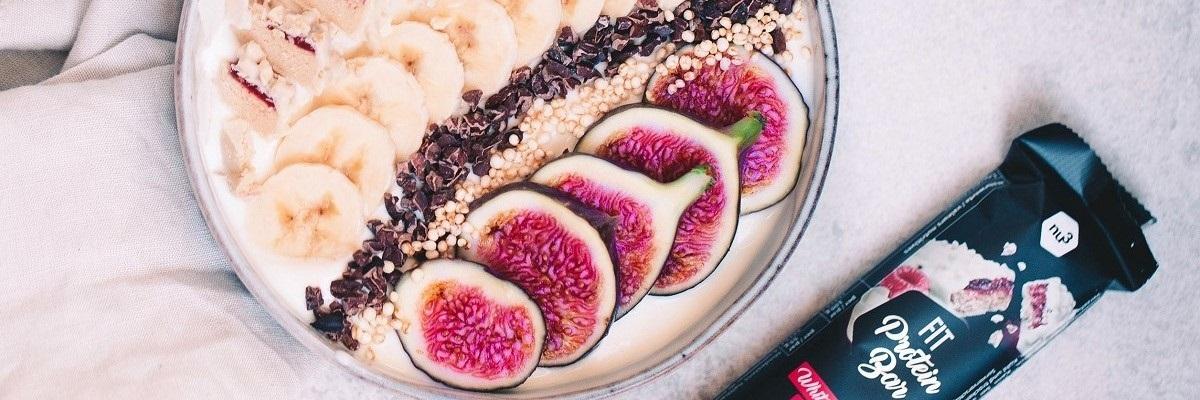 Bowl di yogurt con frutta